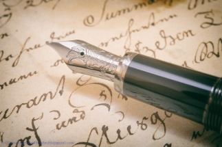 Montblanc Willem Defoe on an old document. Nib.