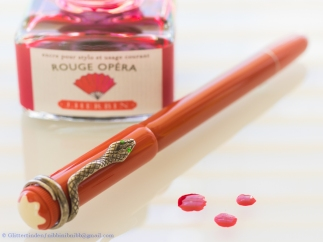 Heritage Rouge et Noir Coral and three drops of blood