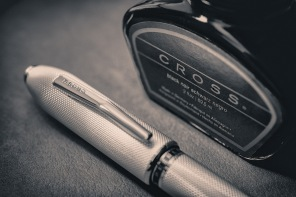 cross_peerless_125_with_ink_bottle_black-white